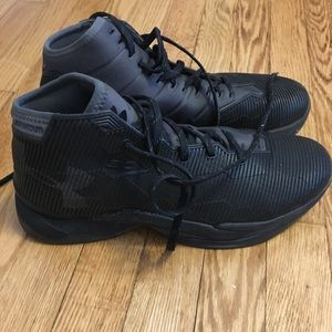 Mens Black Curry 2.5 in great condition